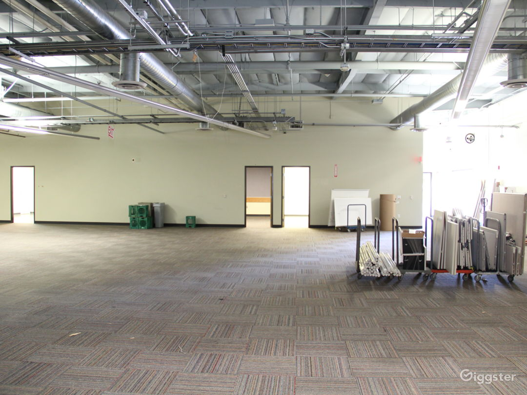 Data Center, 25+ Offices, Warehouse Flex Space Photo 4
