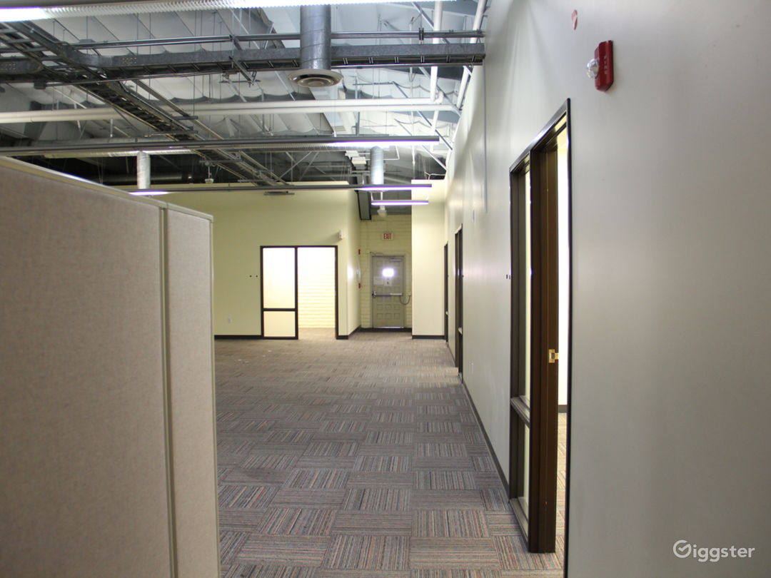 Data Center, 25+ Offices, Warehouse Flex Space Photo 2