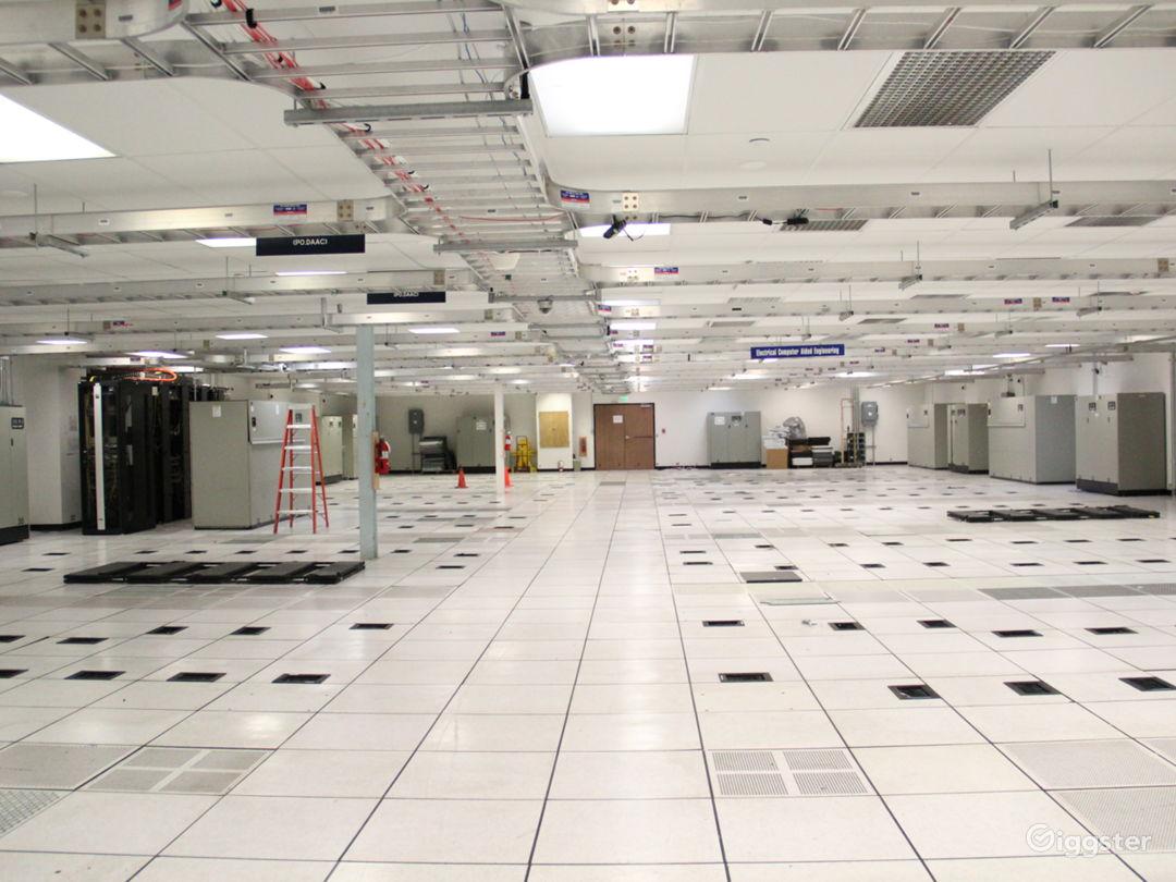 Data Center, 25+ Offices, Warehouse Flex Space Photo 1