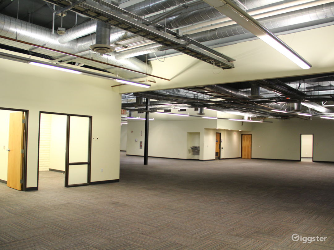 Data Center, 25+ Offices, Warehouse Flex Space Photo 3