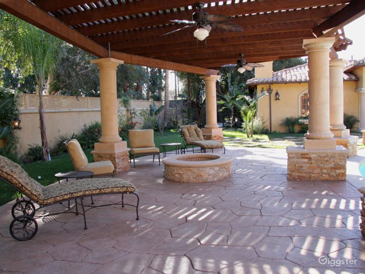 Luxury Beautiful Spanish Mansion great for Events  Photo 5