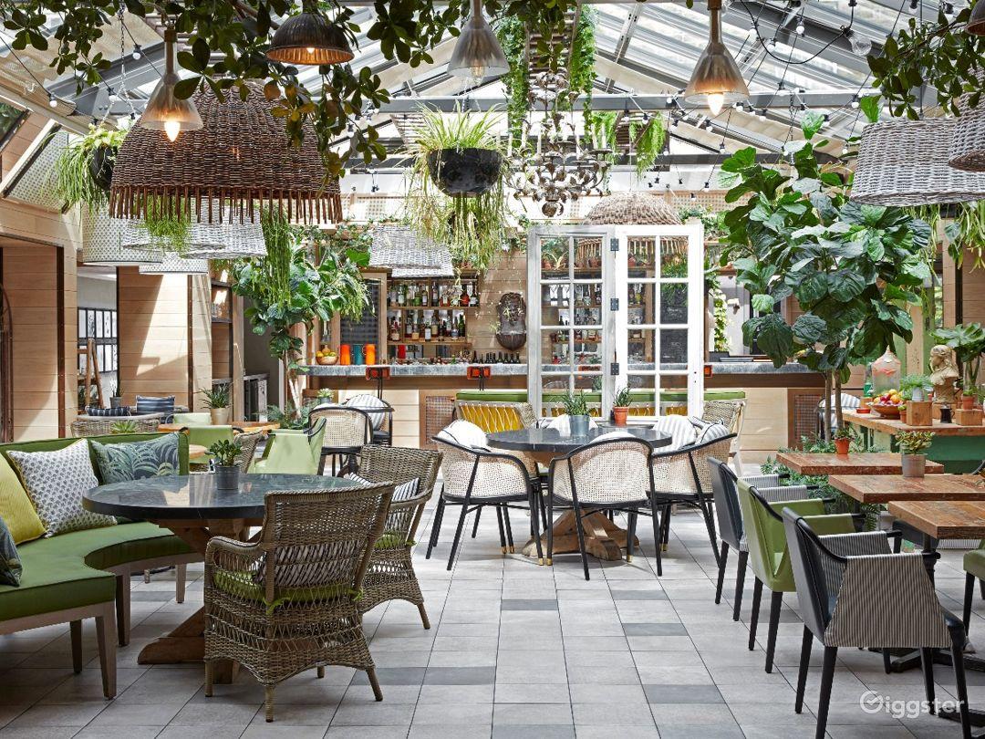 Bright and Airy Garden Restaurant in Edinburgh Photo 1