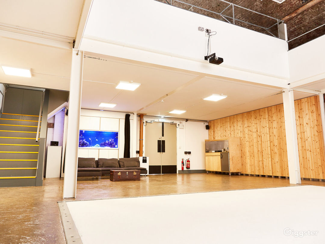 Contemporary Styled Venue in London Photo 1