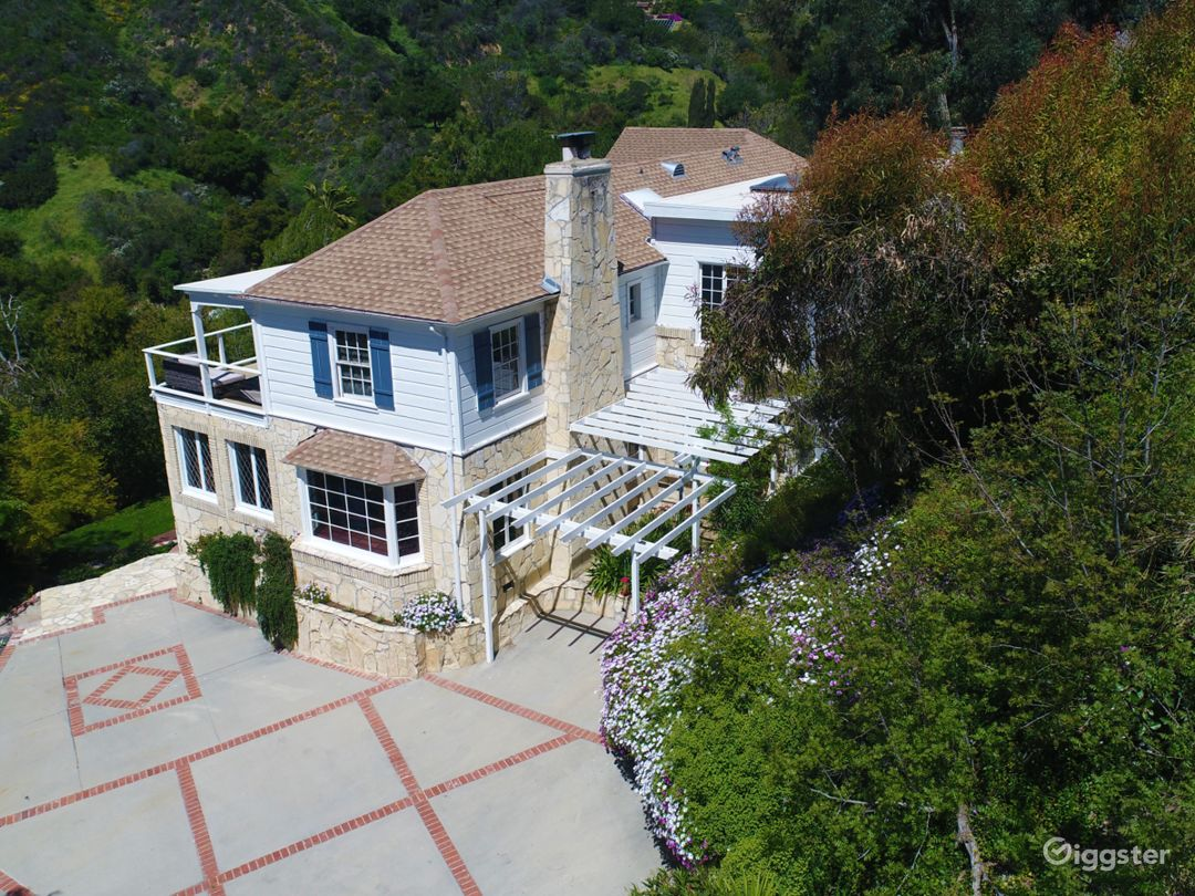 PRIVATE Classic Hollywood Mansion Photo 2