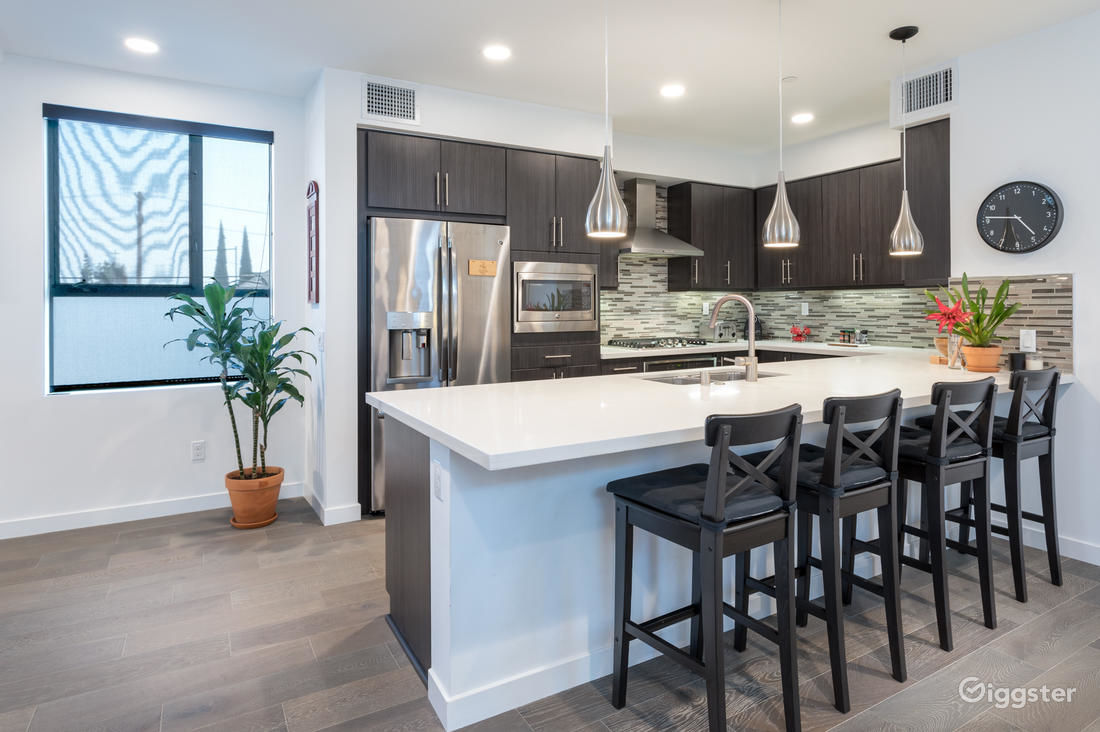 Rent the houseresidential beautiful brand new beachwood canyon modern home for film