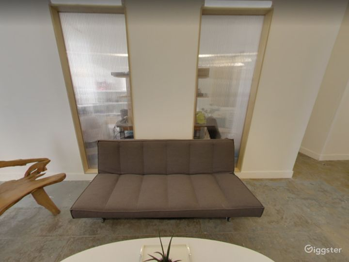 Small Meeting Space for Offsites in Long Island Photo 4