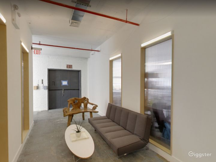 Small Meeting Space for Offsites in Long Island Photo 5
