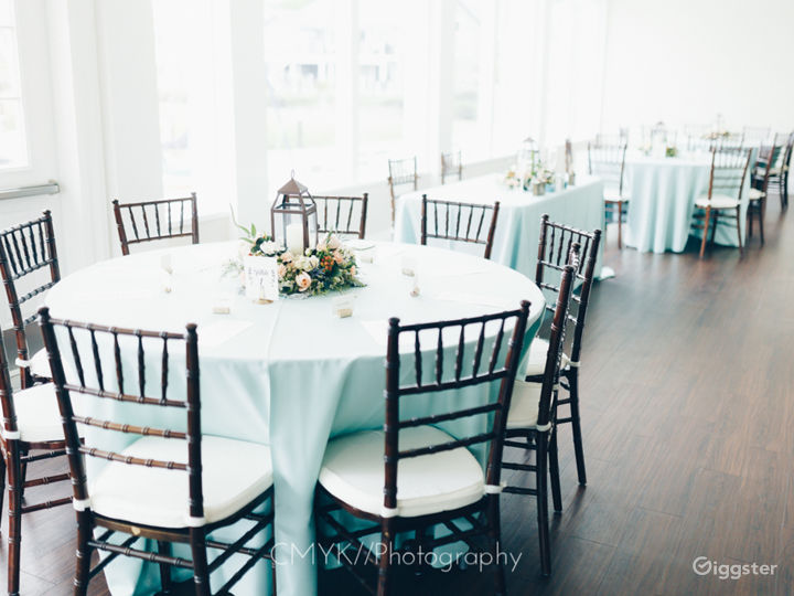 Elegant & Spacious Banquet Room Photo 2
