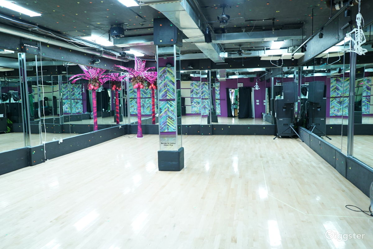 7d17ce4df0df Rent the Dance/Fitness/Gym(commercial) Stylish Studio Space for film/