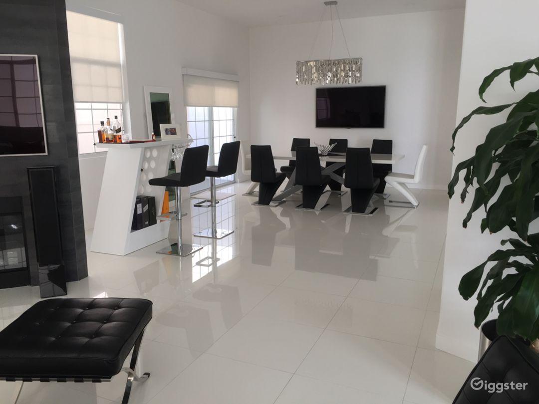 Newly Renovated Chic Modern, Smart Home Photo 1