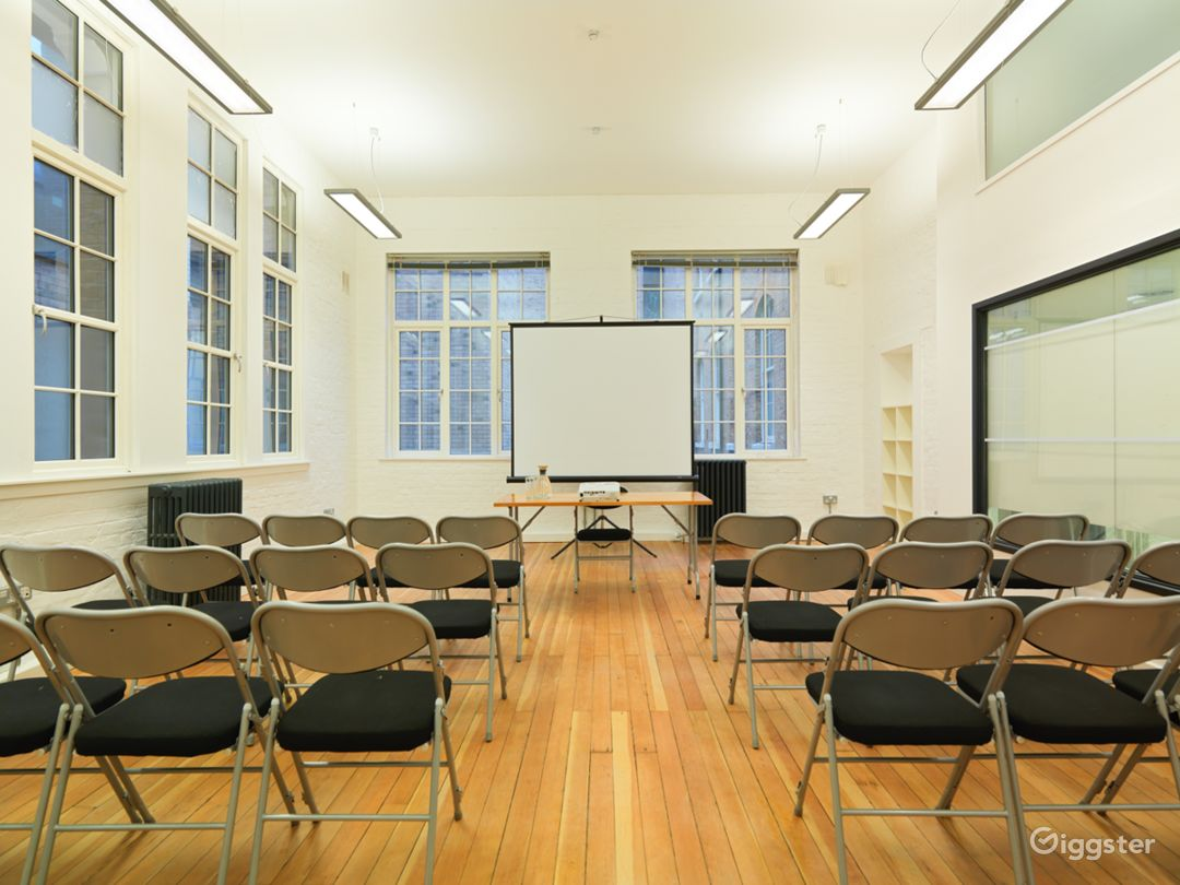 Medium-sized Event Space in London Photo 1