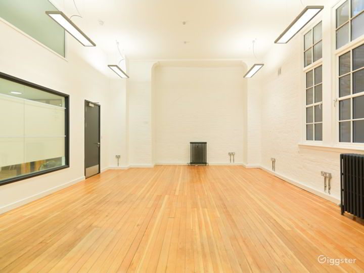 Medium-sized Event Space in London Photo 2
