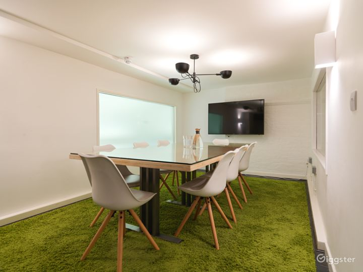 Medium-sized Event Space in London Photo 4