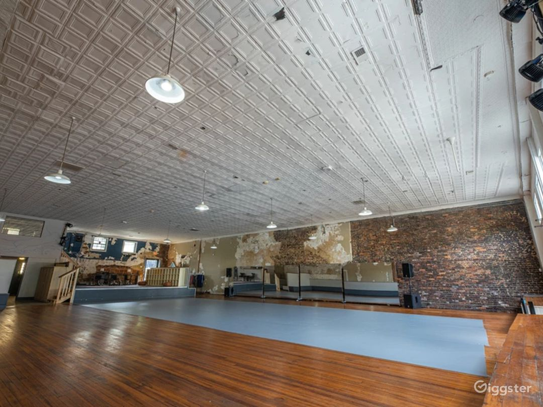A 4500 Sq. Ft. Art and Event Space in Arts District of Olde Chattanooga Photo 1