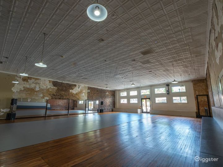 A 4500 Sq. Ft. Art and Event Space in Arts District of Olde Chattanooga Photo 4