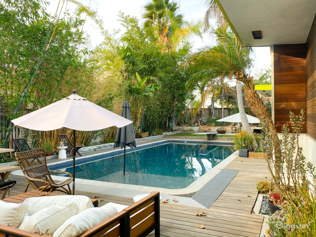 Mid Century Modern NoHo House with Sparkling Pool Photo 1