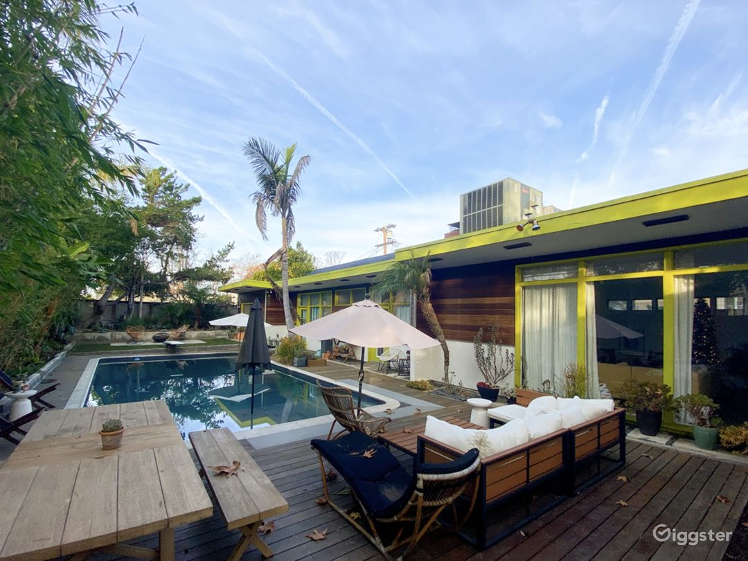 Mid Century Modern NoHo House with Sparkling Pool Photo 5