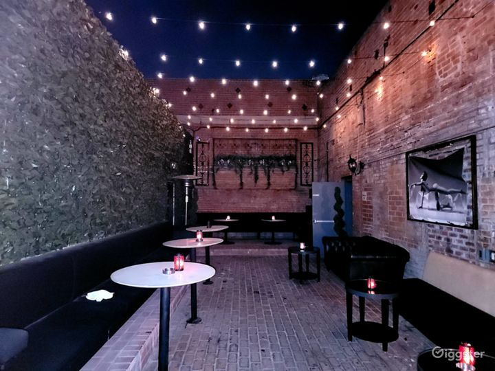 Expansive Outdoor Patio Bar Event Space Photo 5