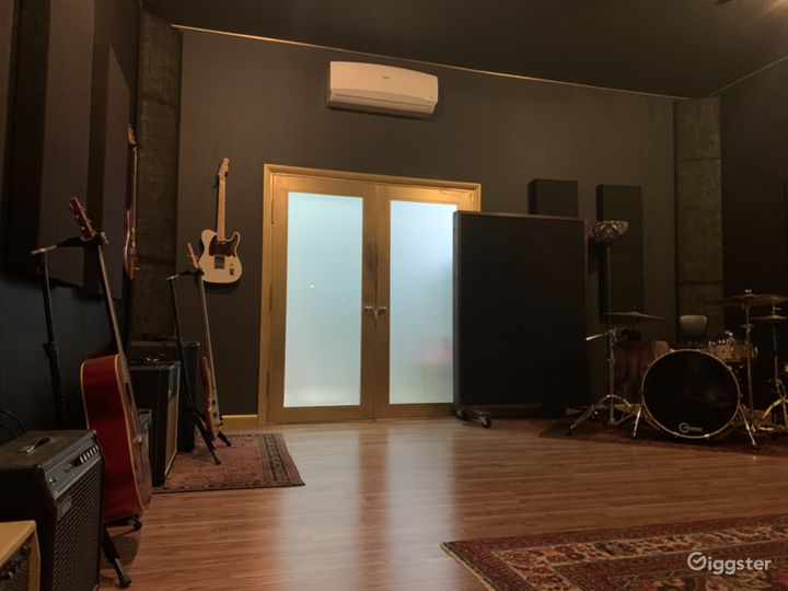 Unique Music, Video & Photo Studio All in ONE!! Photo 4