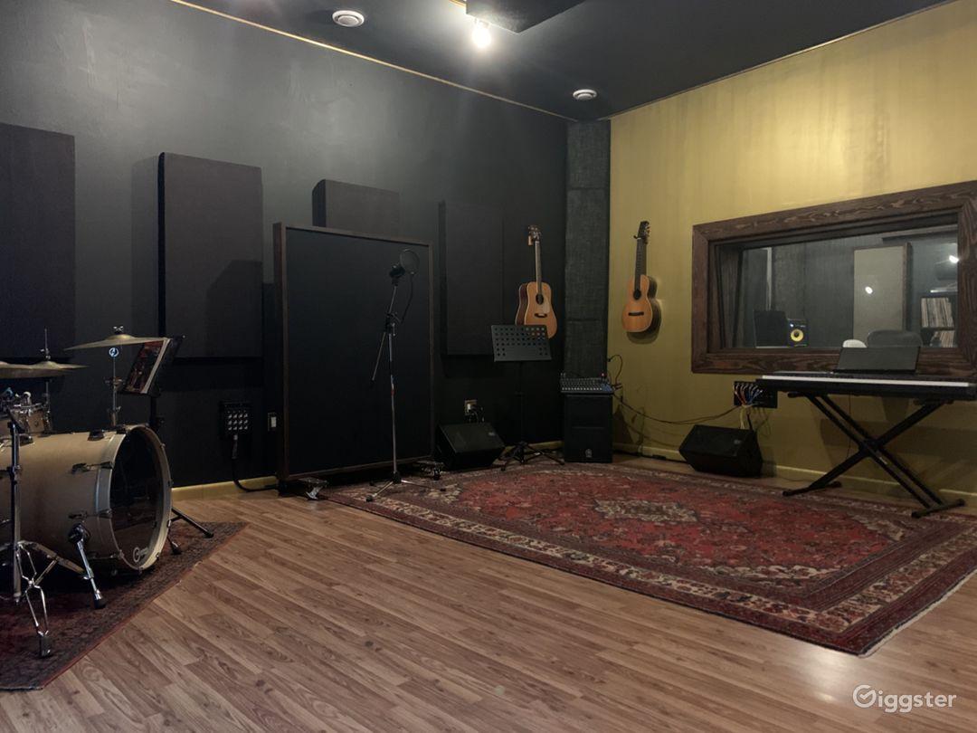 Unique Music, Video & Photo Studio All in ONE!! Photo 1