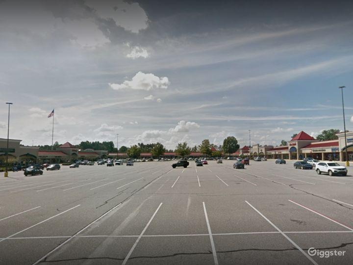 Spacious Parking Lot in Georgia Photo 3
