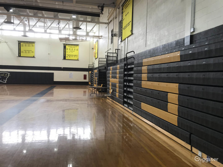 High school with basketball gym: Location 5280 Photo 5