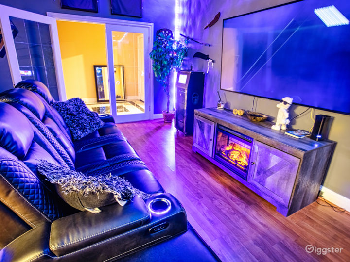 In-Home Theater w/Ambient Lighting