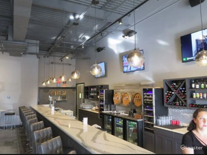 Upscale Wine and Craft beer Restaurant Photo 4