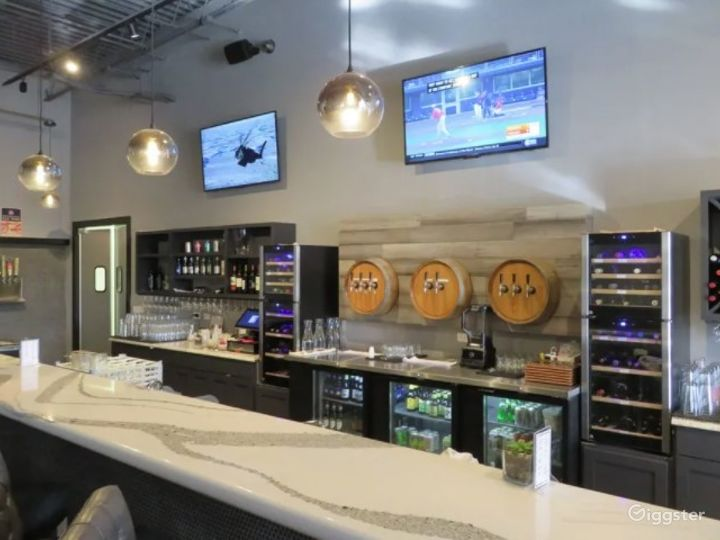 Upscale Wine and Craft beer Restaurant Photo 3