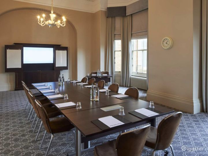 Ideal Boardroom in York Photo 2