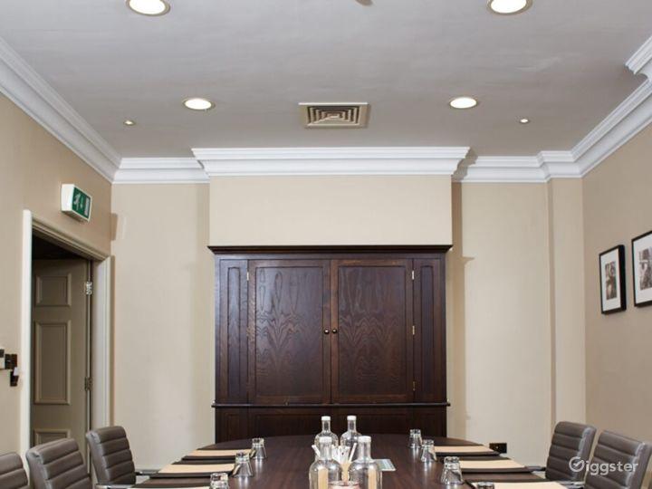 Ideal Boardroom in York Photo 4