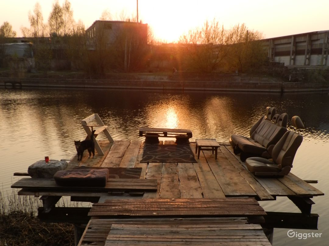 Post-industrial sauna & riverside Photo 1