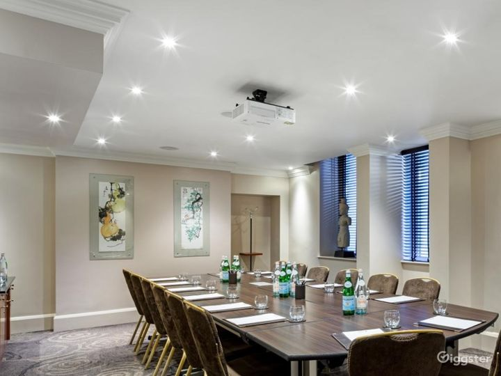 Nice Private Room 14 in Great Russell Street, London Photo 2