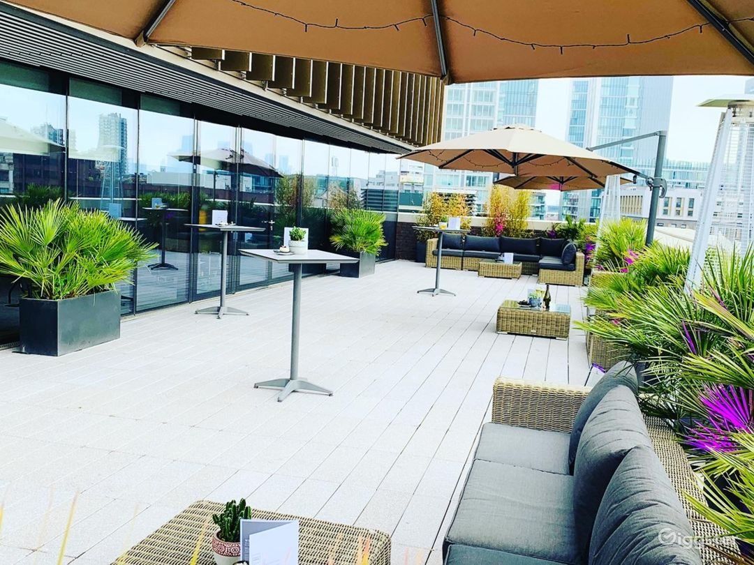 Room with two stunning open-air terraces in London Photo 1