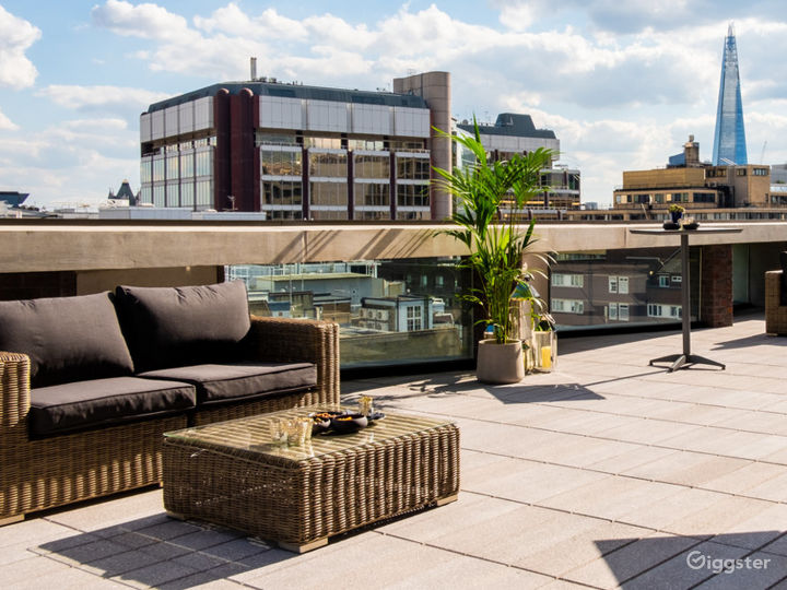 Room with two stunning open-air terraces in London Photo 4