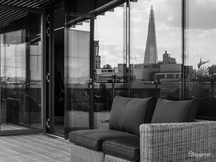 Room with two stunning open-air terraces in London Photo 3