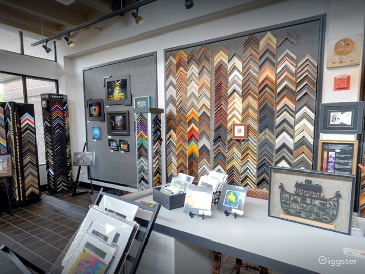 Warm and Comfy Gallery in Iowa Photo 2