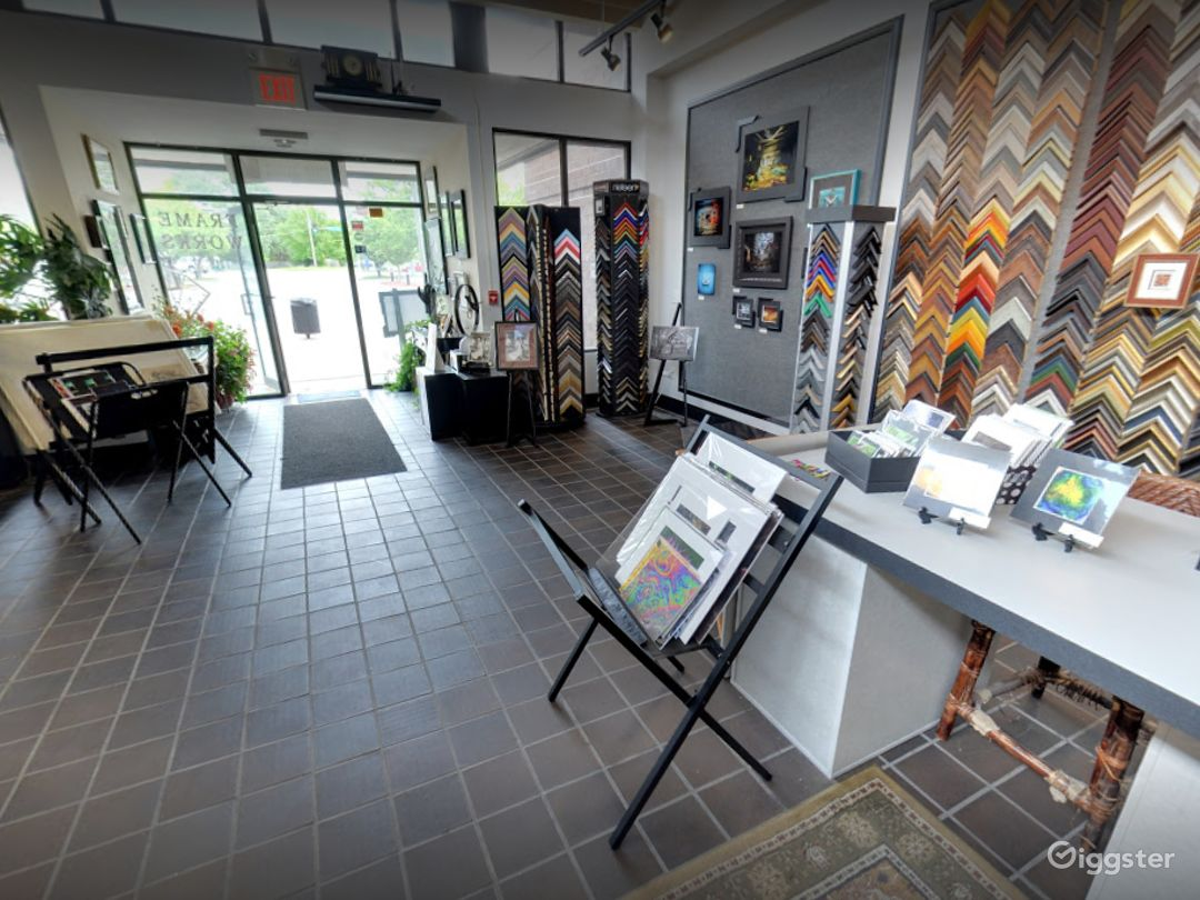 Warm and Comfy Gallery in Iowa Photo 1