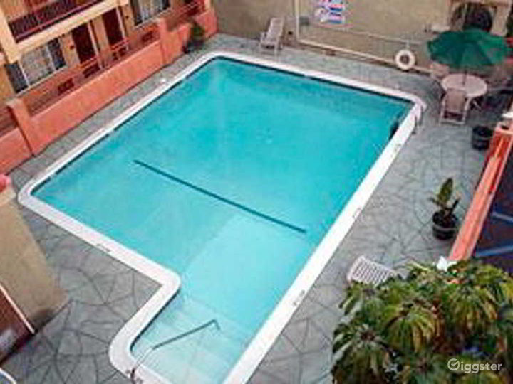 Private Outdoor Heated Pool in LA Photo 2