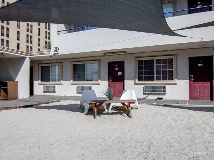 Beach Style Patio in LA Photo 5