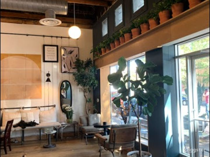 Casual and Intimate Front Cafe Dedicated Space  Photo 3