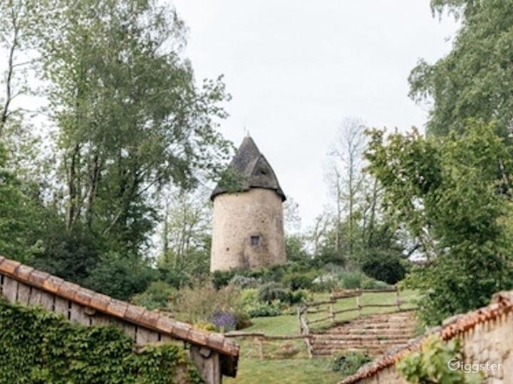 18th Century Village - Houses, craftsmens workshop Photo 2