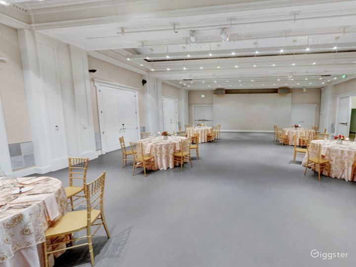 Spacious Main Gallery