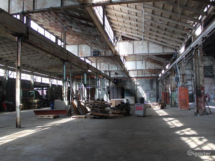 The Colony Warehouse Photo 2