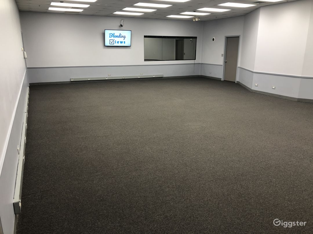 Empty Big Room (40' X 28')
