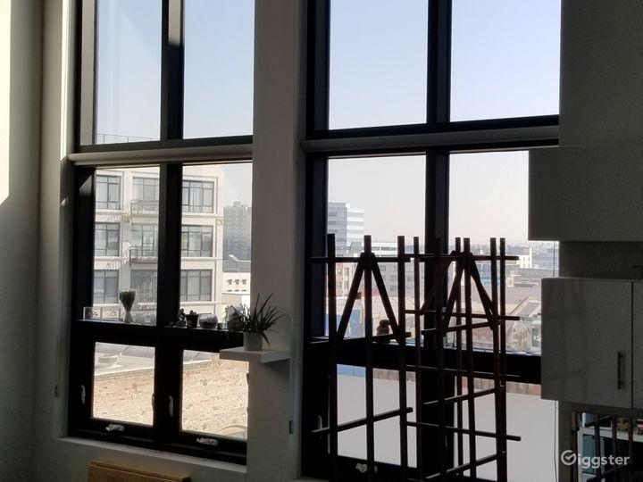 Two-story, modern DTLA loft.  Photo 4