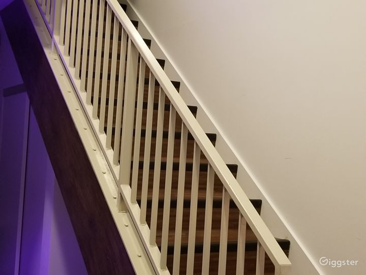 Two-story, modern DTLA loft.  Photo 5