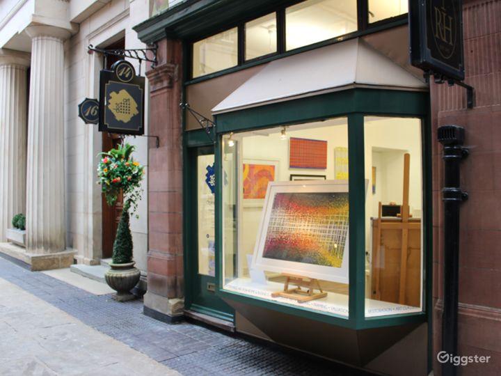 Unique Art Gallery in Historic Liverpool Avenue