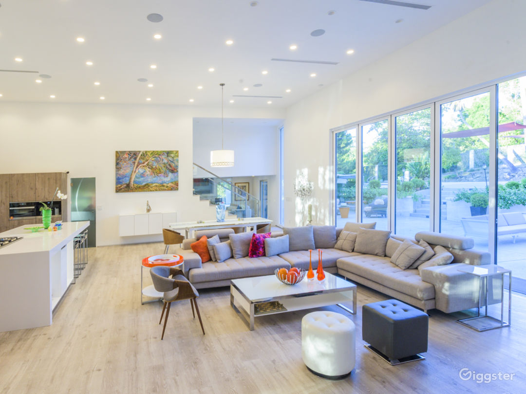 Panoramic windows slide completely to give inside outside feeling and space. LIGHT LIGHT LIGHT LIGHT... Look @ the high ceiling.
