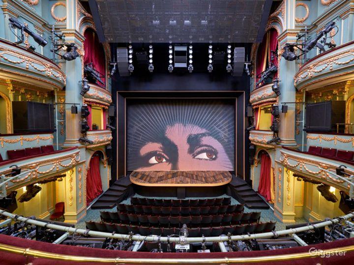 Majestic Theatre in London  Photo 3